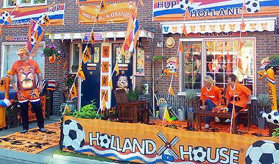 Dutch streets turn orange again, awaiting replay of last WC final