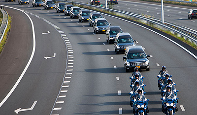 Dutch commemorate victims MH17 disaster in Amsterdam
