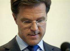 Dutch government stands on brink of collapse